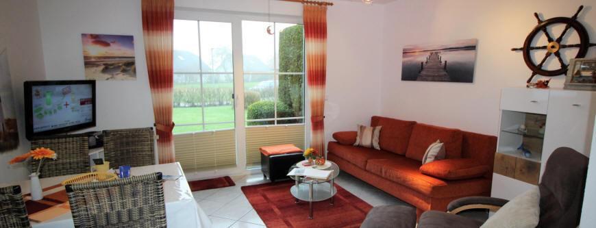 Haus Sonnenstrahl im Erdgeschoss mit schönen preiswerten Wohnungen. WLAN und Strandkorb am Strand.